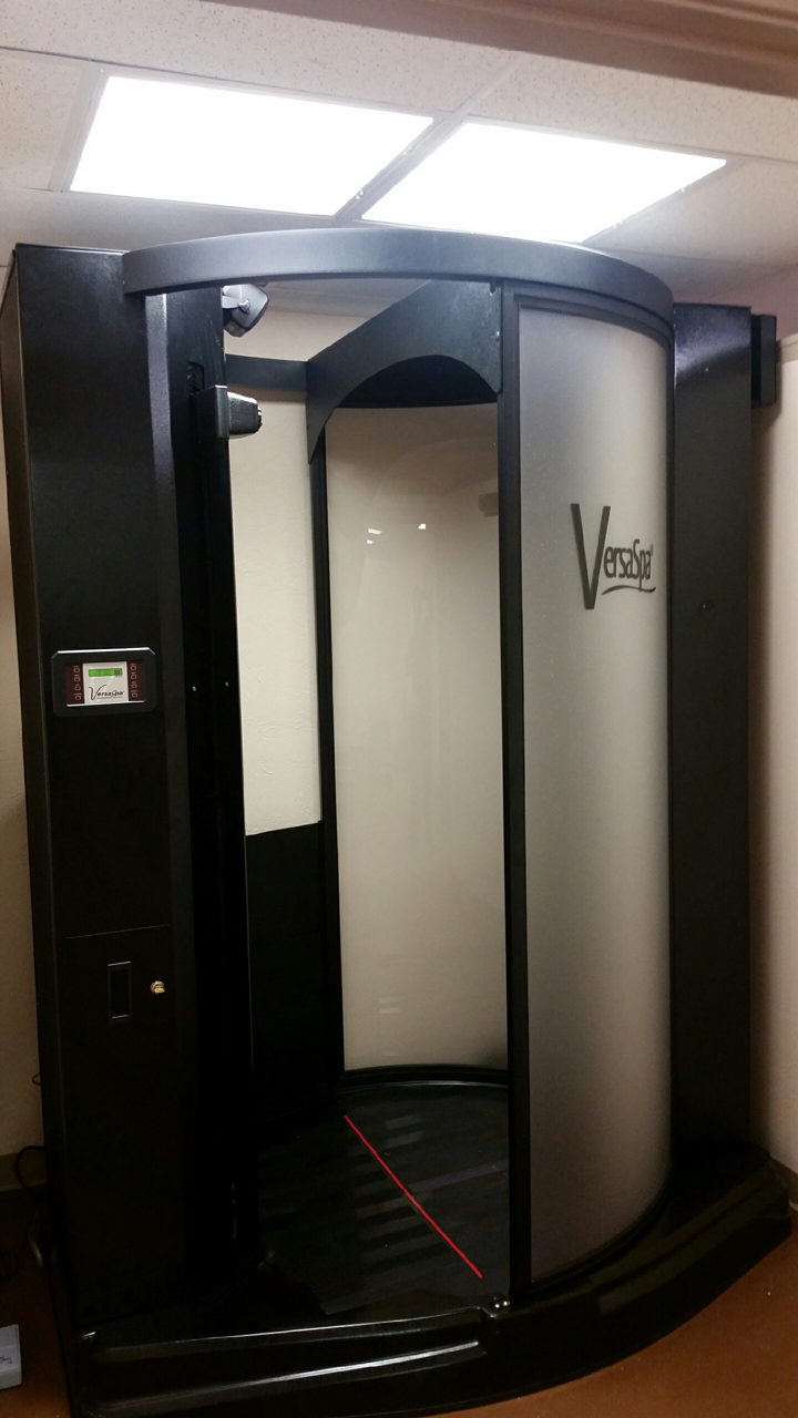 Refurbished VersaSpa with Heater and Voice.&nbsp; Installation is included to select areas.&nbsp; Call if you have any questions 1-800-667-9189.&nbsp; For more details on our refurbishing process and pictures call. &nbsp;<span style=
